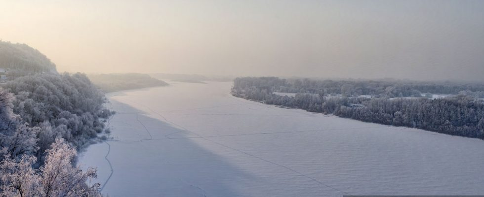 Река Белая. Висячий камень.