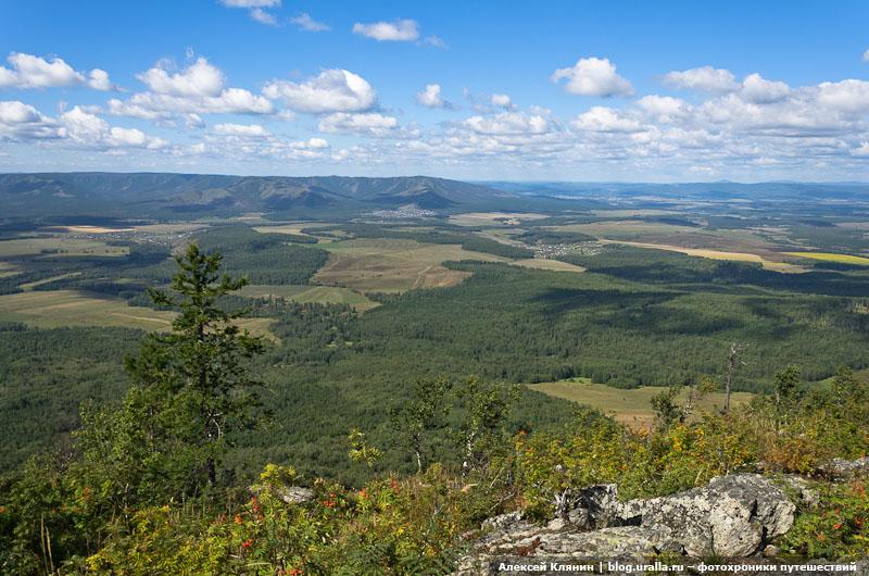 Вид на хребет Краку с горы Арвякрязь