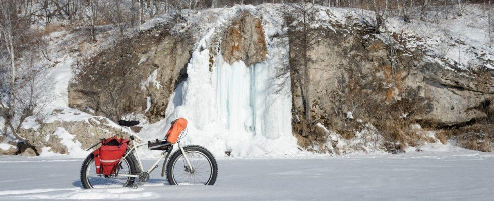 Морозный день и абзановский водопад на реке Инзер